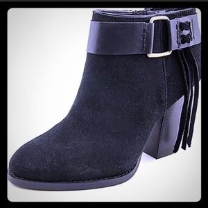 Kensie Massey black fringe ankle booties size 8